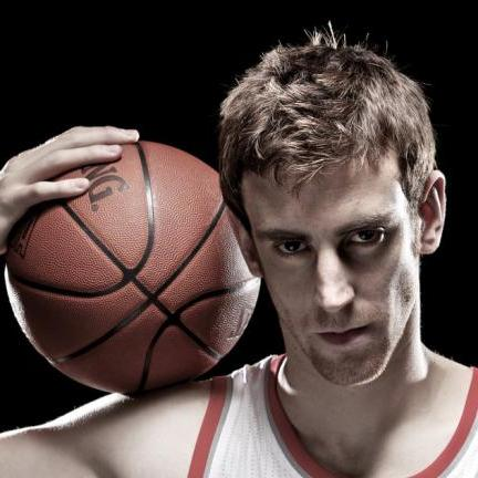 Victor Claver back to Europe